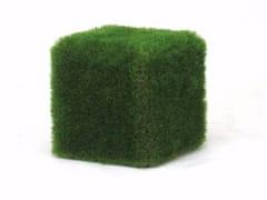 Seduta da esterni in EPS rivestita con erba sinteticaCUBOTTO - CABOX