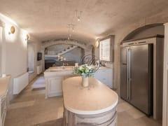 Cucina su misura in legno massello con isolaCucina 11 - GARDEN HOUSE LAZZERINI