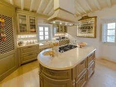 Cucina su misura in legno massello con isolaCucina 7 - GARDEN HOUSE LAZZERINI