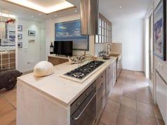 Cucina su misura in legno massello con isolaCucina 9 - GARDEN HOUSE LAZZERINI