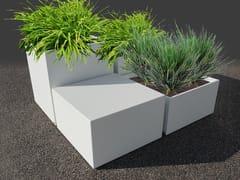 ATELIER SO GREEN, Fioriera per spazi pubblici su misura Fioriera per spazi pubblici su misura in cemento fibrorinforzato