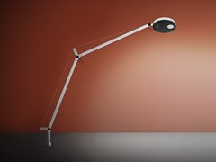 Lampada da tavolo a LED orientabile con perno fissoDEMETRA | Lampada da tavolo a LED - ARTEMIDE