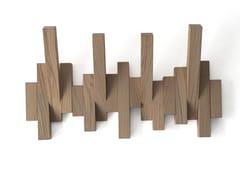Appendiabiti da parete in rovereDIESIS - DESIGNOBJECT.IT