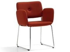 Sedia imbottita in tessuto con braccioliDUNDRA | Sedia in tessuto - BLÅ STATION