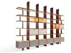Libreria a giorno in legno con fissaggio pavimento-soffitto con illuminazioneDUO XL - M | Libreria con fissaggio pavimento-soffitto - BELLANI