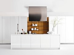 Cucina componibile in legno e top in Hi-Macs®EASY_30 - ELMAR