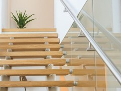 Q-RAILING ITALIA, EASY GLASS® MOD 0148 Fissaggio per parapetti in acciaio