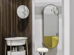 Specchio ovale a parete con contenitoreELIO - CERAMICA CIELO