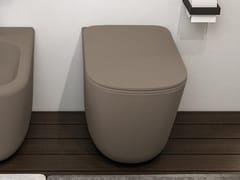 Wc filo parete in ceramica a pavimento senza bridaERA | Wc a pavimento - CERAMICA CIELO