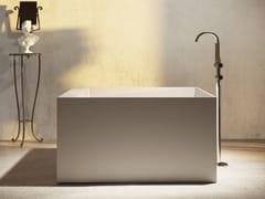 Vasca da bagno centro stanza quadrata in materiale compositoESSEQUADRO - RELAX DESIGN