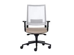Sedia ufficio girevole in rete con braccioliEXPO LIGHT | Sedia ufficio in rete - VAGHI
