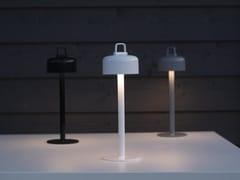 Lampada da tavolo per esterno a LED in ABSLUCIOLE | Lampada da tavolo per esterno - EMU GROUP
