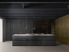 Cucina in cedro con isola con maniglie integrateFLY FLOAT - MODULNOVA
