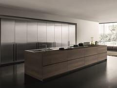 Cucina in acciaio inox e legno con isolaFLY   Cucina in noce - MODULNOVA