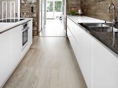 Cucina lineare in legno massello senza maniglie FORM 6 - CHALK WHITE -