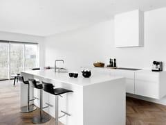 Cucina in legno massello con isola FORM 6 - WHITE -