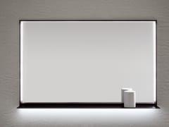ARBLU, FRAME Specchio con illuminazione integrata da parete per bagno