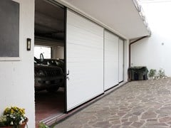 Portone da garage scorrevole lateraleIBIS | Portone da garage - BREDA SISTEMI INDUSTRIALI