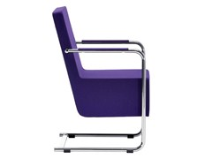 Sedia a slitta in tessuto con braccioliH5 XL | Sedia imbottita - MIDJ