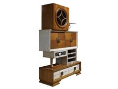 Credenza in legno con ante a battente e cassettiCOLLAGE | Credenza - LOLA GLAMOUR