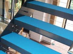Rivestimento per scale in resina STEP RISE® - SURESET GLOBAL