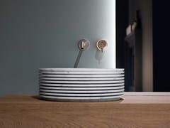 Lavabo da appoggio in marmo di CarraraINTROVERSO45 - ANTONIO LUPI DESIGN®
