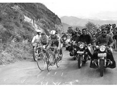 Stampa fotograficaJACQUES ANQUETIL E RAYMOND POULIDOR - ARTPHOTOLIMITED