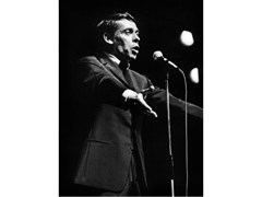 Stampa fotografica JACQUES BREL IN CONCERTO ALL'OLYMPIA - ARTPHOTOLIMITED