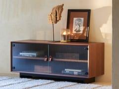 Mobile TV in legno impiallacciato con ante in vetroJEAN | Mobile TV con ante a battente - CDHC PRODUCTIONS