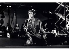 Stampa fotografica JOHNNY HALLYDAY IN CONCERTO - ARTPHOTOLIMITED