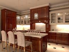 Cucina su misura in noce con isolaTOSCA | Cucina Villa sul lago - MARTINI MOBILI