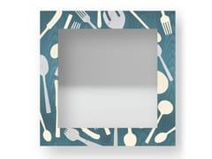 Specchio quadrato da parete con cornice KITCHENTOOLS COLORS | Specchio - DOLCEVITA OBJECTS