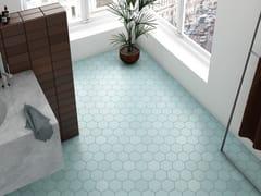 EQUIPE CERAMICAS, KROMATIKA Pavimento/rivestimento in ceramica a pasta bianca per interni