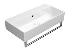 Lavabo rettangolare singolo in ceramica con porta asciugamaniKUBE X 70X37 | Lavabo - GSI CERAMICA