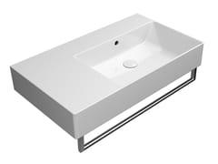 Lavabo rettangolare singolo in ceramica con porta asciugamaniKUBE X 80X47 | Lavabo con porta asciugamani - GSI CERAMICA