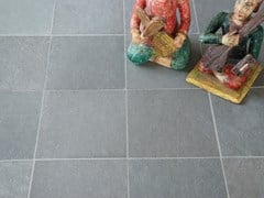 Pavimento/rivestimento in pietra naturale per interniLAKE BLUE RIVEN LIMESTONE - STONE AGE PVT. LTD.