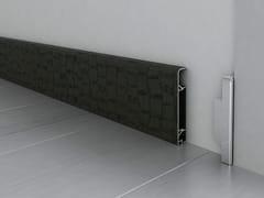 Battiscopa in alluminio rivestito in pelle LEATHER -