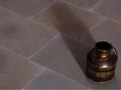 Pavimento/rivestimento in pietra naturale per interniLIME YELLOW SAWN DISTRESSED LIMESTONE - STONE AGE PVT. LTD.
