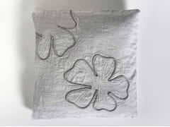 Cuscino quadrato ricamato a mano in lino QUADRIFOGLIO | Cuscino quadrato - Decor