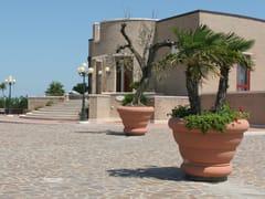 Manufatti Viscio, MAGNUM Fioriera per spazi pubblici alta in pietra ricostruita
