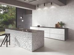 Ergon, MEDLEY WHITE Pavimento/rivestimento in gres porcellanato effetto terrazzo veneziano