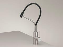 Miscelatore da cucina monoforo in acciaio inox con doccetta estraibile MIL 203 - MILO360