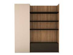 Libreria a giorno in legno con cassettiMION - ANA ROQUE INTERIORS