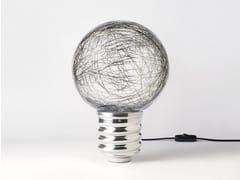 Lampada a LED in allumino e paralume in policarbonatoNEPTUNE | Lampada da tavolo - HISLE