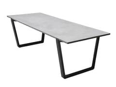 Tavolo in calcestruzzo con gambe in acciaio verniciato neroNIAN - BENTU DESIGN