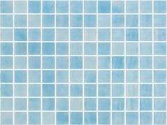 Mosaico antiscivolo in vetro per interni ed esterniNIEVE AZUL CLARO 25252 SEDA ANTISLIP - ONIX CERÁMICA