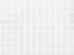 Mosaico antiscivolo in vetro per interni ed esterniNIEVE BLANCO 25103 SEDA ANTISLIP - ONIX CERÁMICA