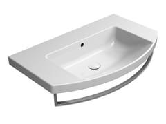 Lavabo singolo in ceramica con porta asciugamaniNORM 80X50 | Lavabo - GSI CERAMICA