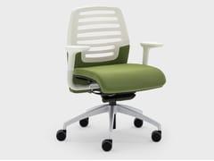 Sedia ufficio con ruote in tessuto e plasticaMADAM OFFICE | Sedia ufficio con braccioli - VIGANÒ & C.