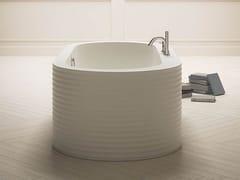 Vasca da bagno centro stanza ovale in KcrylONEWEEK - KAROL ITALIA